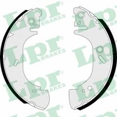 Колодки тормозные барабанные LPR 07400
